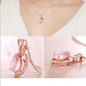 Elegant Rose Pink pendant necklace set.
